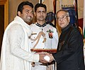 The President, Shri Pranab Mukherjee presenting the Padma Bhushan Award to Shri Leander Paes, at an Investiture Ceremony-II, at Rashtrapati Bhavan, in New Delhi on April 26, 2014.jpg