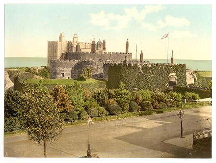 Deal Castle at the end of the 19th century; at the rear are the Captain's Quarters, where French died in 1925 and which were destroyed in 1943 The castle, Deal, England-LCCN2002696656.tif