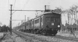 Tobu Isesaki Line - An up express service on the Tobu Isesaki Line formed of a 4-car EMU in March 1940