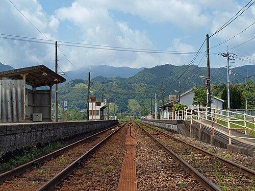 斗賀野駅 - Wikipedia