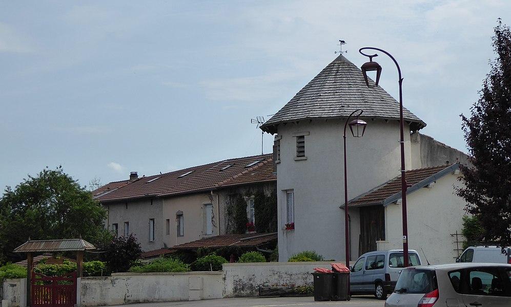 Tour ronde à  Laneuvelotte en Meurthe-et-Moselle (France).
