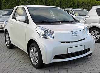 Toyota iQ - Image: Toyota i Q 20090621 front