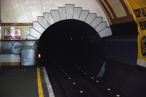 Tunnel (1313075891)