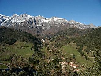 Picos de Europa - Image: Turieno