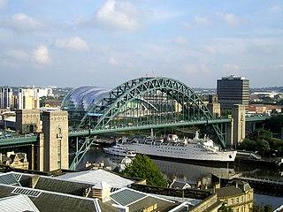 Tyne Bridge bridge in England connecting Newcastle and Gateshead