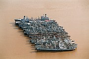 U.S. Reserve Fleet ships laid up on the James River, Virginia (USA), on 28 January 1996 (6495267)