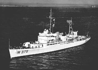 USS Chincoteague (AVP-24) - Image: USCGC Chincoteague (WAVP 375)