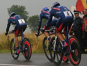 U.S. Postal Service Pro Cycling Team - L-to-R: Armstrong, Azevedo, and Ekimov of the 2004 USPS team