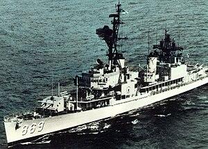 USS Arnold J. Isbell (DD-869) off Sydney, Australia, in 1970.jpg