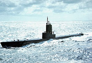 USS Spinax (SS-489) underway in 1965.JPG