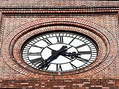 Uranienborg kirke 2011 clock.jpg