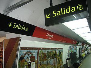 Uruguay (Buenos Aires Underground) - Image: Uruguay, Est. de Subte, nueva señalética 3