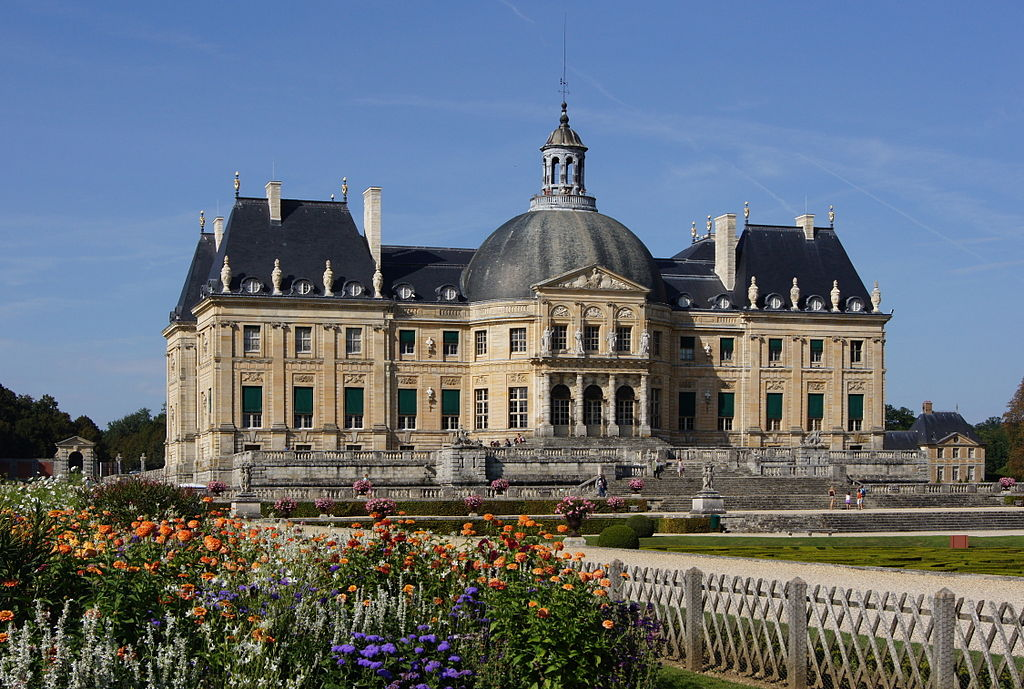 French Chateau Million Dollar Homes Paint Choices