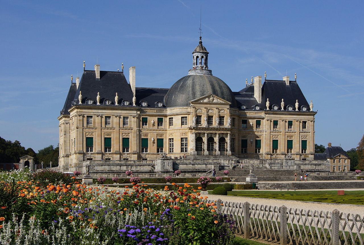 Le château de Vaux-le-Vicomte à Maincy (Seine-et-Marne), œuvre de Louis Le Vau.  (définition réelle 4500×3028)