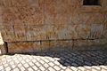 Villamayor, detalle de marcas en piedras de la iglesia.jpg