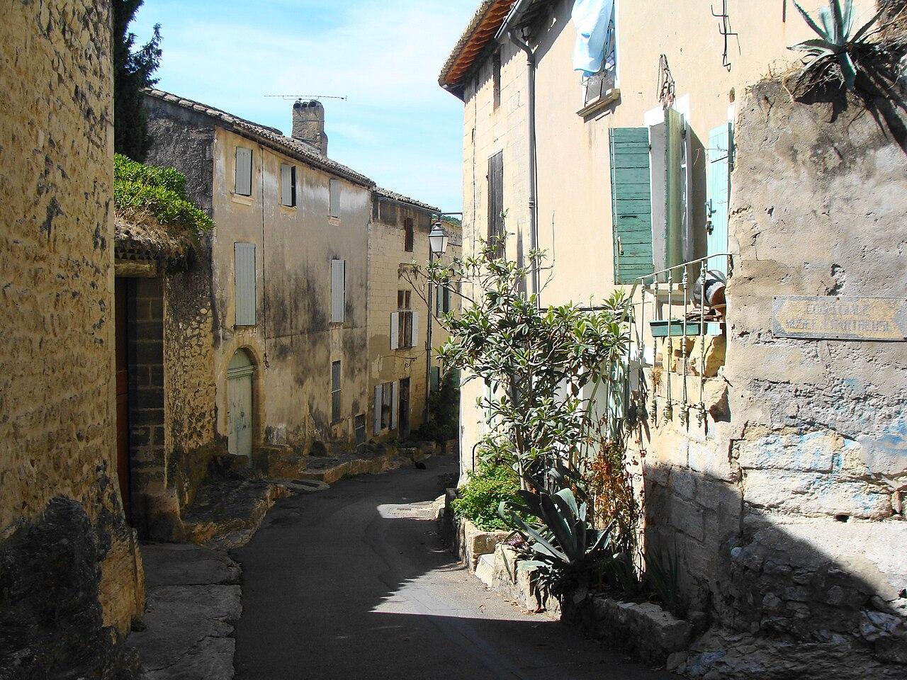 File villeneuve lez avignon chemin des chartreux jpg for Piscine des chartreux