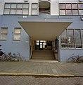 Voorgevel, detail ingangspartij - Amsterdam - 20357062 - RCE.jpg