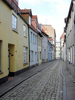 Düstere Querstraße in Lübeck