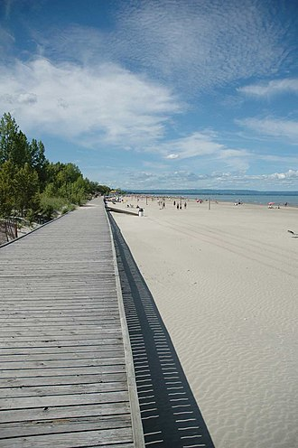 Wasaga Beach - Beach 1 (the main beach) looking west with Beaches 2 and 3 in the distance.