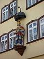 Wetzlar - Hausfassade mit Figur am Kornmarkt.jpg