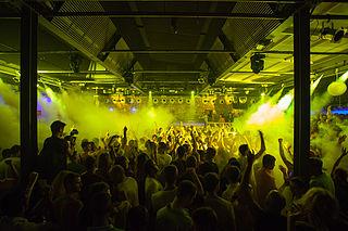 Superclub Very large nightclub