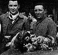 Wimille (G) et Veyrond (D), vainqueurs des 24 Heures du Mans 1939.jpg
