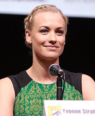 Yvonne Strahovski - Strahovski at the 2013 San Diego Comic-Con