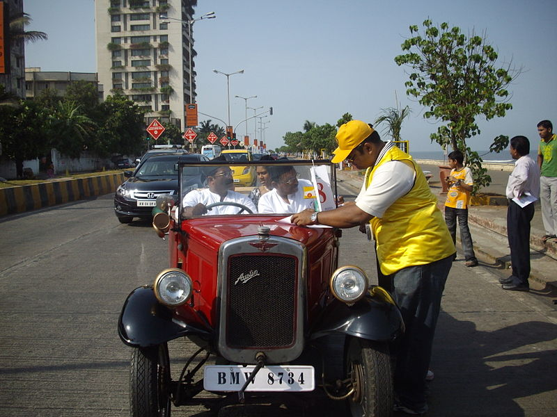 File:'Vintage Austin' at 'Mumbai Vintage car Rally-2010'.jpg