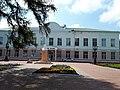 Будинок колишньої чоловічої гімназії у Новгород-Сіверську.jpg