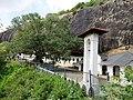 Золотий храм Дамбулла - печерний буддійський монастир I ст. до н.е. - panoramio.jpg