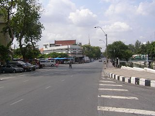 Atsadang Road street in Bangkok