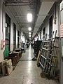 台大戲劇系系館被鹿鳴堂器材塞爆的走廊.jpg