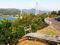 大芝島から見た大芝大橋とモノラック.jpg