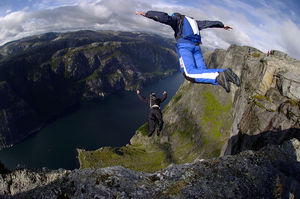 BASE jumping - Jumpers from a cliff