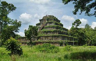 Koh Ker - Prasat Thom of Koh Ker temple site