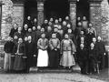 1897年两江总督率众官员视察汇文书院与中外教员合影.png