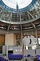 190930 Plenarsaal mit Bundesadler und Kuppel.jpg