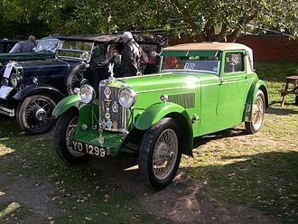 New Avon (coachbuilder) - 1930 Standard Sixteen Swan coupé