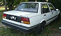 1986-1989 Toyota Corolla (AE82) CS sedan 01.jpg