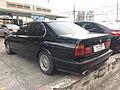 1994-1995 BMW 525i (E34) Sedan (01-11-2017) 03.jpg