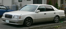 1995 Toyota Crown-Majesta 01.jpg