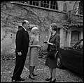 "2.11.66. La reine du Danemark au ""Cayrou"" à Albas (Lot) (1966) - 53Fi5562.jpg"