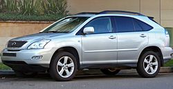 2004-2005 Lexus RX 330 (MCU38R) Sports Luxury wagon (2010-05-19) 02.jpg