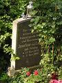 2006-07-25 Friedhof Stubenrauchstr Grab Josefine von Losch.jpg