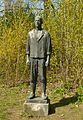 2010-04-18 660 - Statue im Park a Weißen See fec AMA.B.JPG