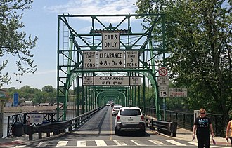Calhoun Street Bridge - Eastern end of the bridge