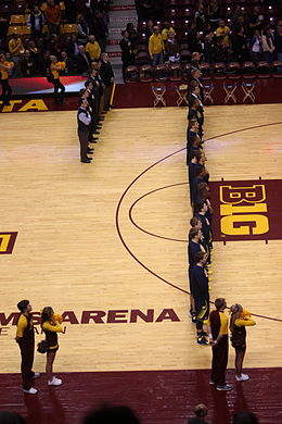 20140102 Michigan Wolverines basketball team.JPG