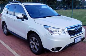 2014 Subaru Forester (MY14) 2.5i Luxury wagon (2016-05-14) 01.jpg