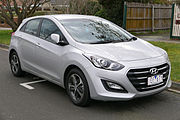 2015 Hyundai i30 (GD3 Series II MY16) Active X 5-door hatchback (2015-08-07) 01.jpg