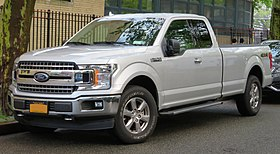2018 Ford F-150 XLT front 5.19.18.jpg
